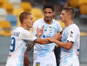 Футбол: «Динамо» вышло в лидеры