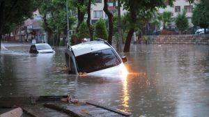 В Турции на смену пожарам пришли наводнения