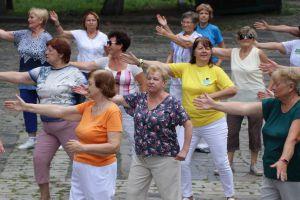 Дніпропетровщина: Третій вік дивує танцями