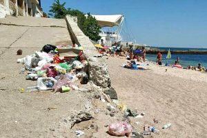 Одесса: Хотел погреть на пляже тело, а лето мимо пролетело