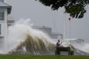 Ураган «Ида» сносит все на пути