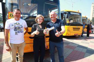 Запорожье: Общими усилиями обеспечили автобусами