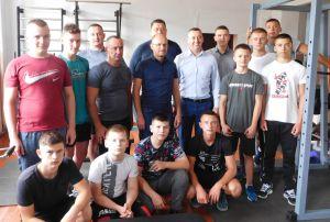 Млиновским силачам помогает народный депутат