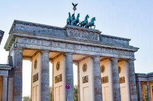 Німеччина: Забрати нерухомість! І… поділити?