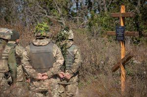 Дніпропетровщина: Повернувшись, поставили хрест побратиму