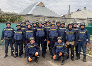 Рятувальники відновлюють житло на сході