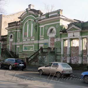 Новосілля артисти Херсонської обласної філармонії чекатимуть два роки