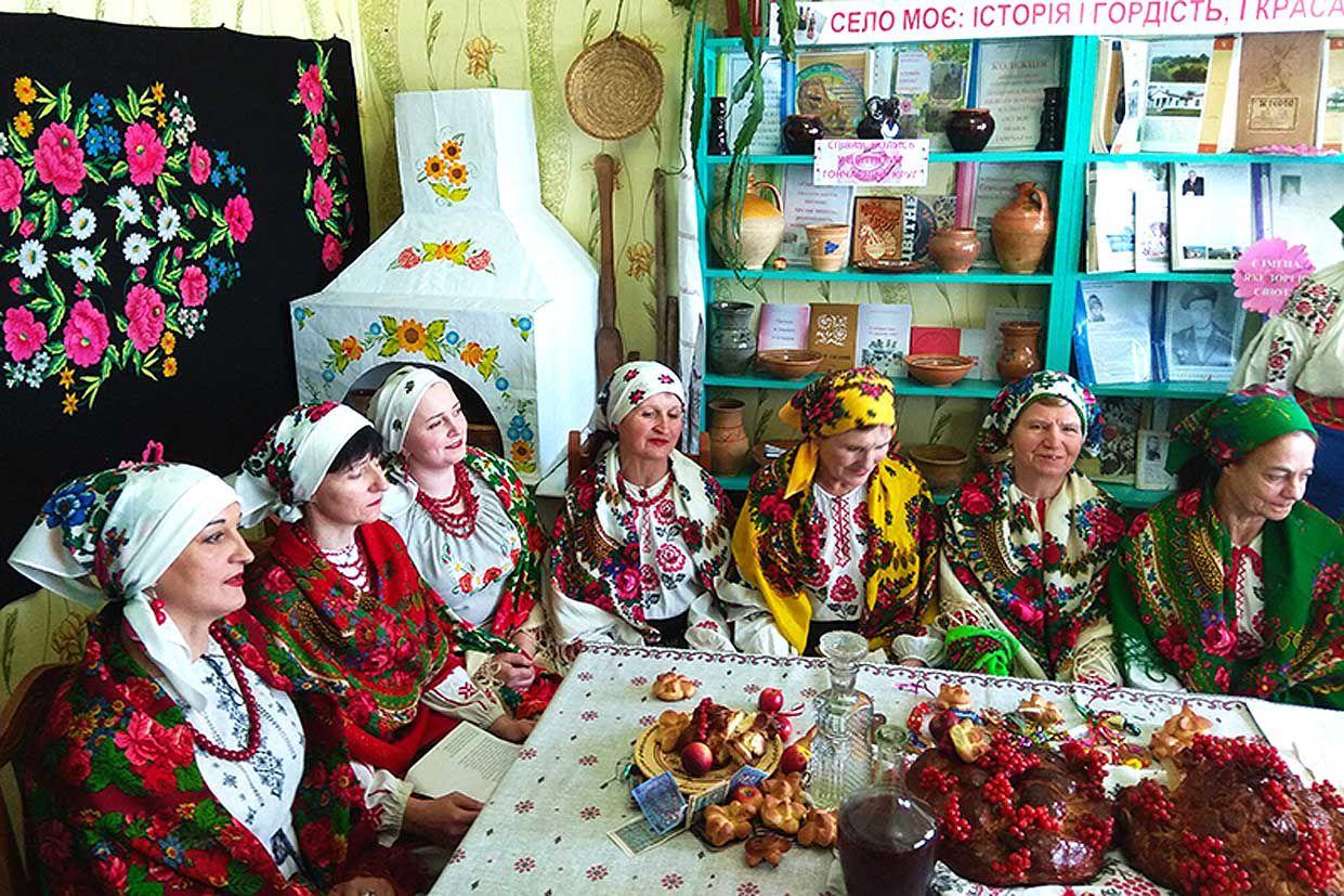 У Цвітному ревно зберігають народні традиції