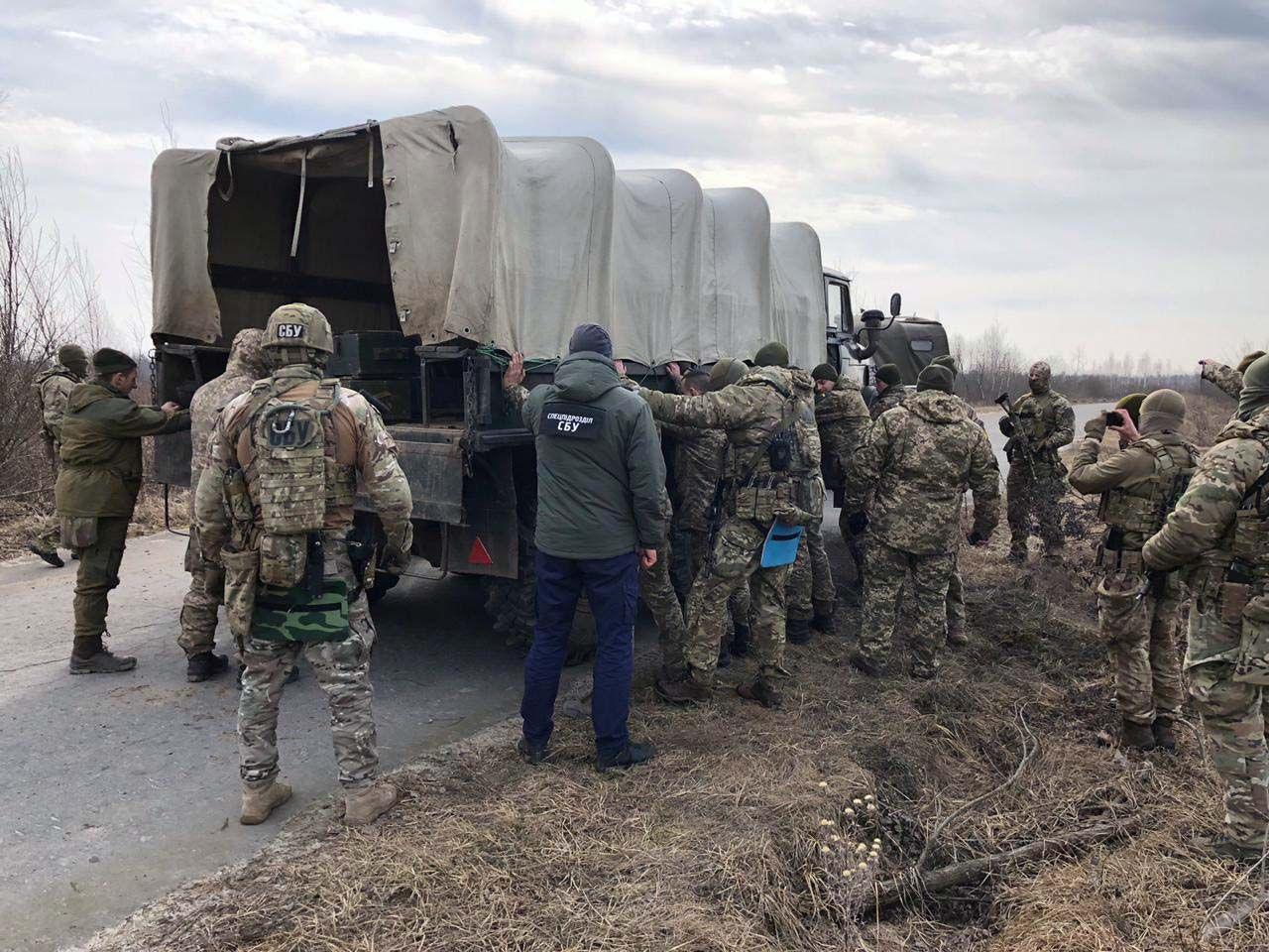 СБУ блокировала деятельность группировки торговцев взрывчаткой на Ривненщине