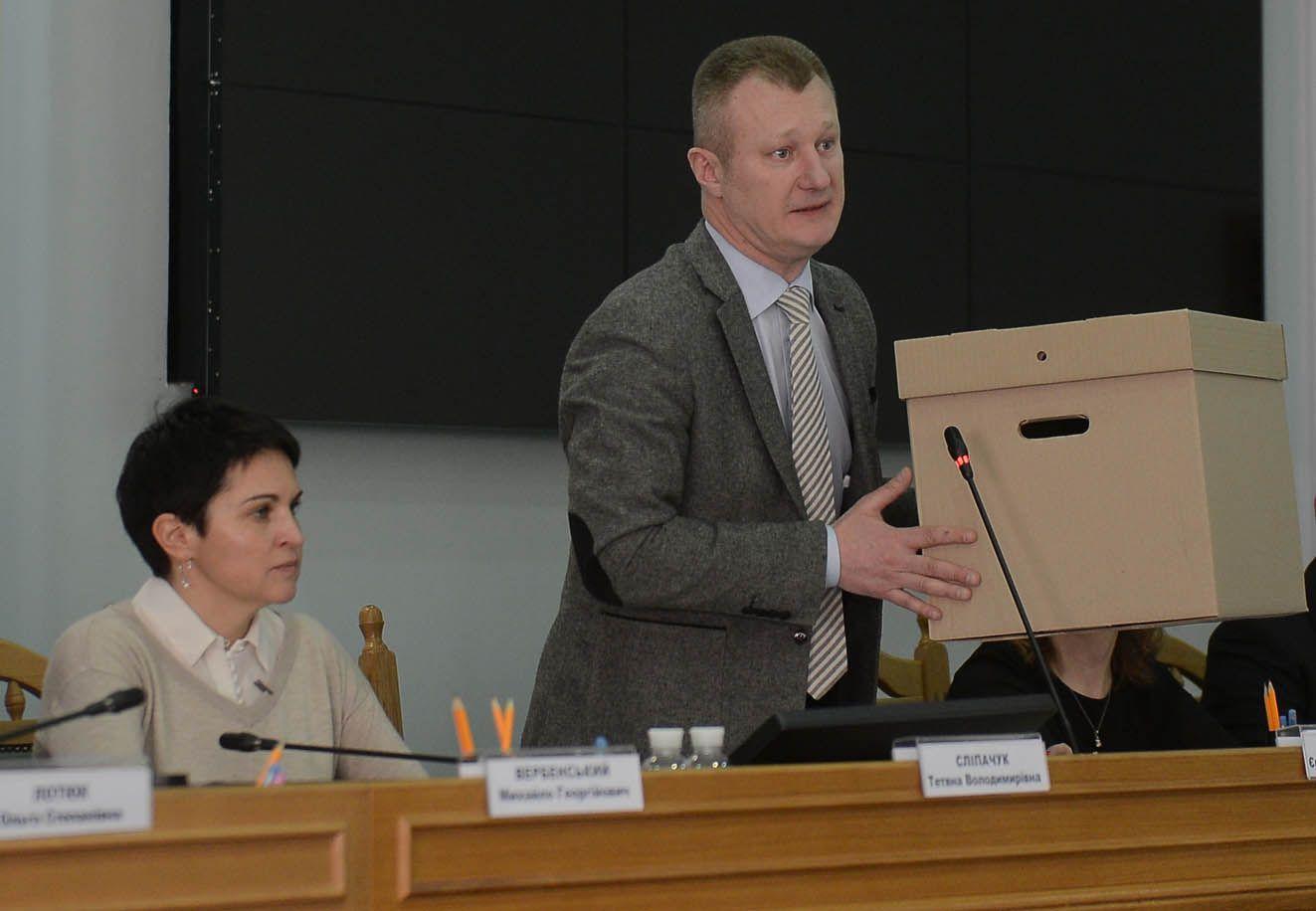 Die Zentrale Wahlkommission handelt wie auch früher strickt gemäß der Gesetzgebung und der Verfassung