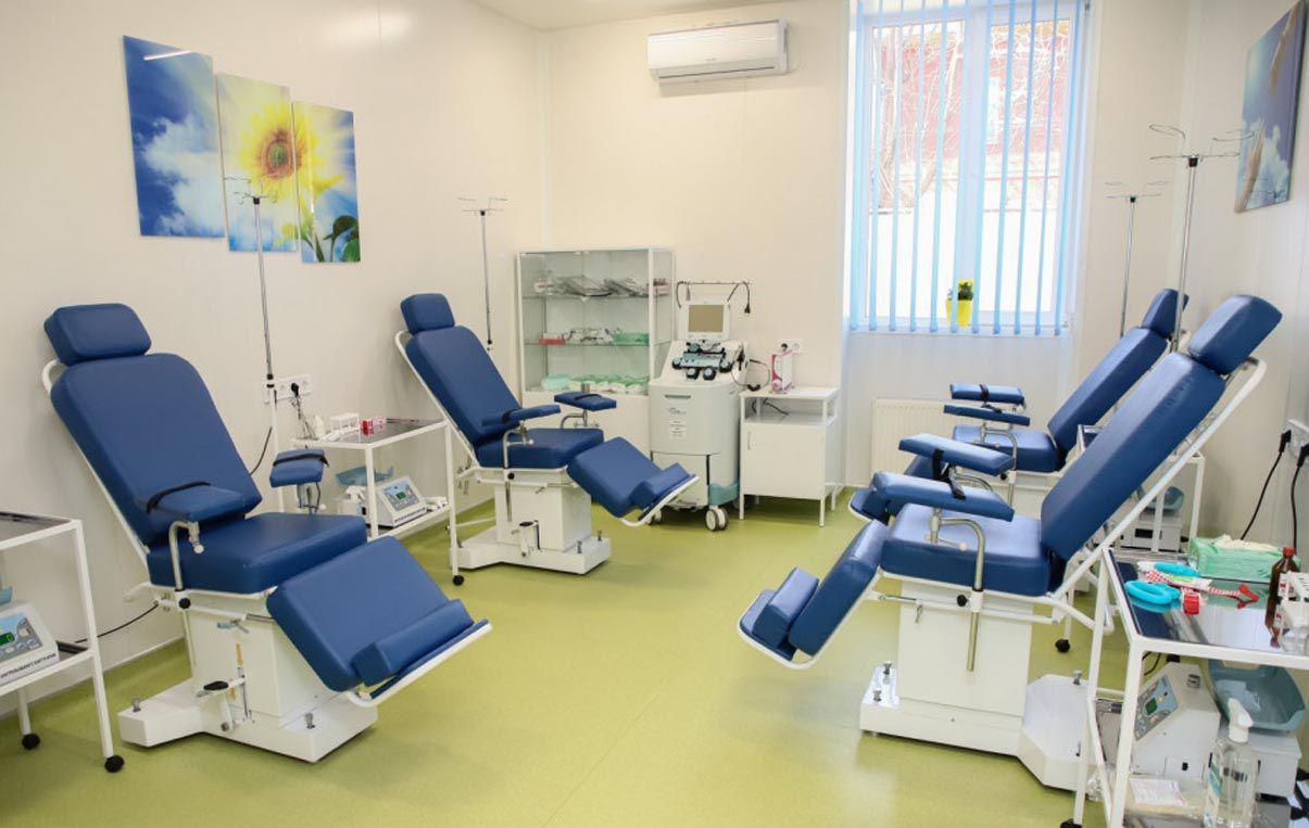 Є станція переливання крові. Слово за донорами