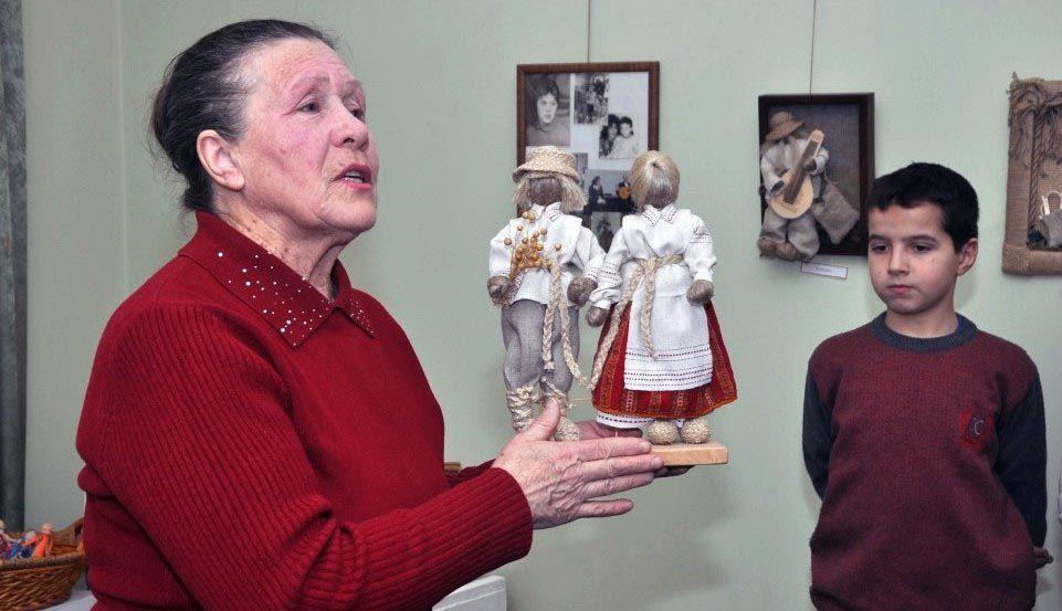 Уродженка Донбасу першою на Рівненщині відродила поліську ляльку