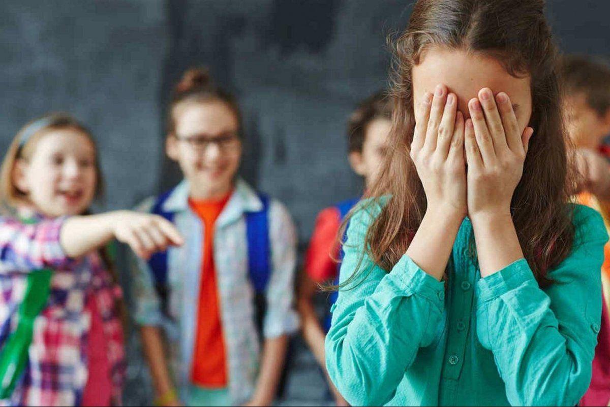 Над детьми издеваются, а учителя молчат