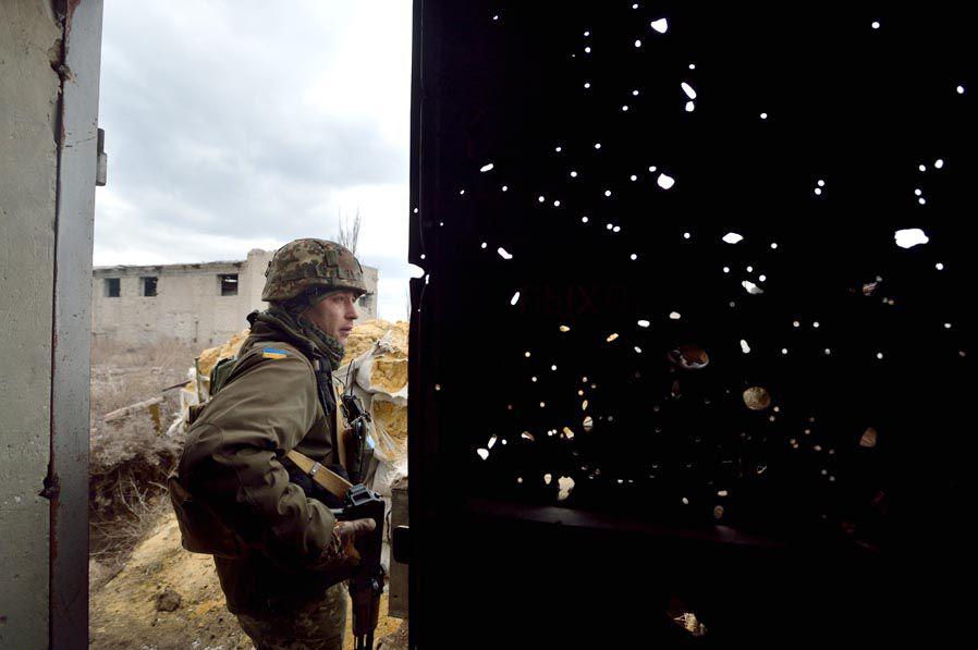 Бойові дії на Донбасі не вщухають