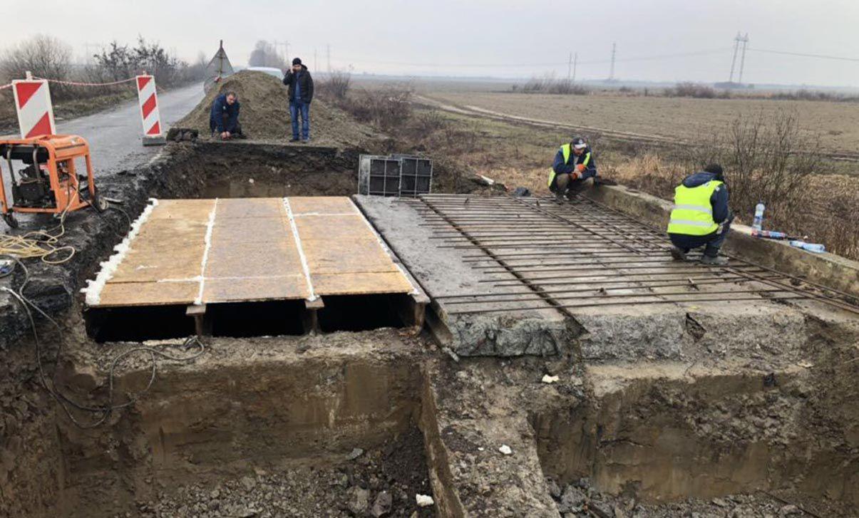 Розпочали ремонтувати мости на трасах міжнародного значення
