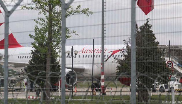 Грабители вынесли из самолета два миллиона евро