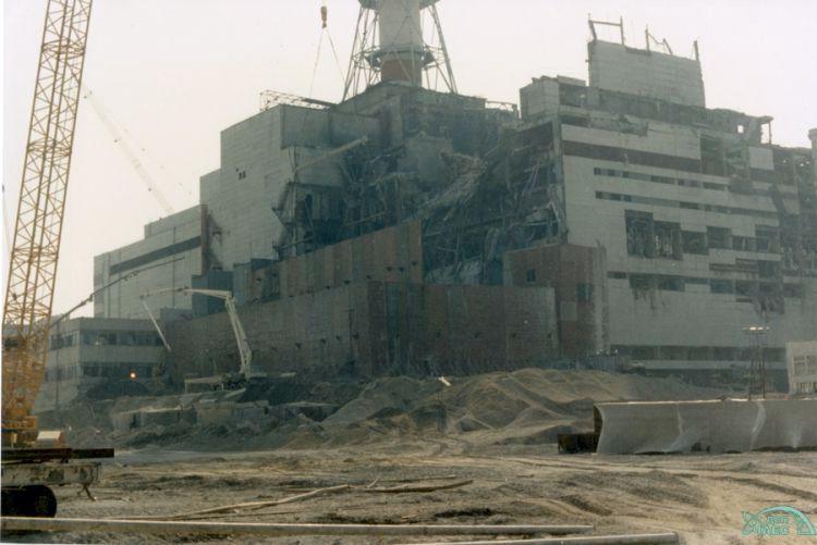 Тисяча фотокадрів про будівництво дороги до реактора ЧАЕС