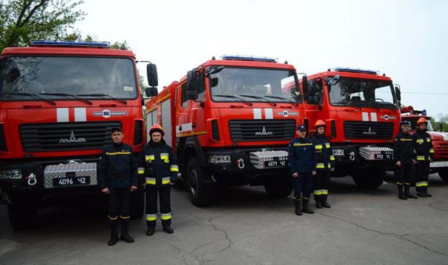 Вогнеборці отримали пожежні МАЗи