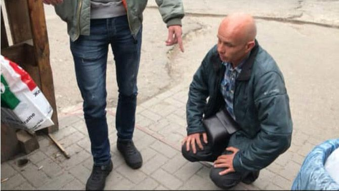 Водитель, отказавший ветерану АТО, извинялся на коленях