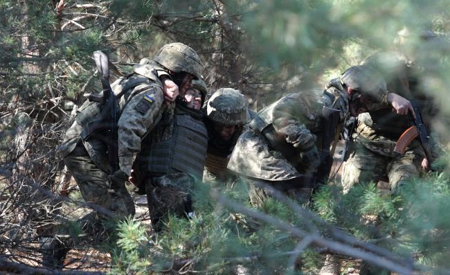 Вісім українських військовослужбовців потрапили у полон