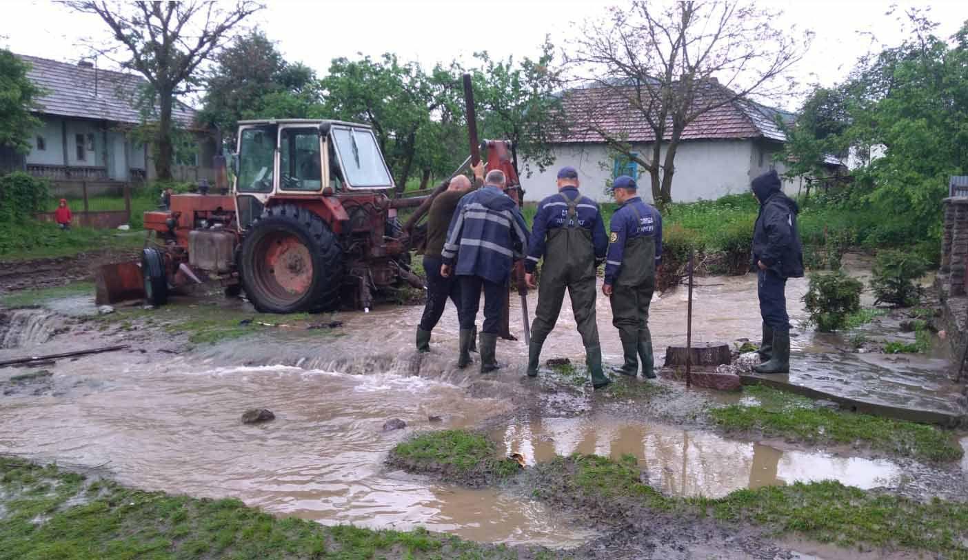 Щодо надзвичайної ситуації на територіях Закарпатської та Івано-Франківської областей
