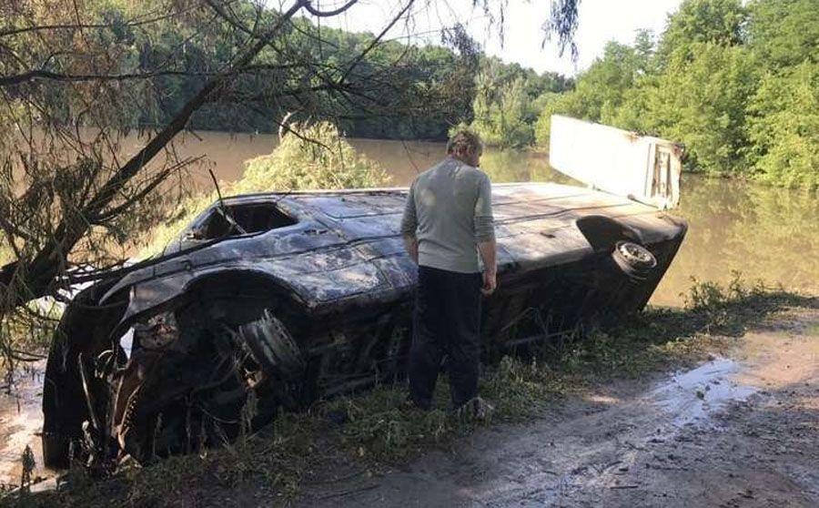 Отруєння річки Рось: небезпечних інсектицидів в автомобілі не було