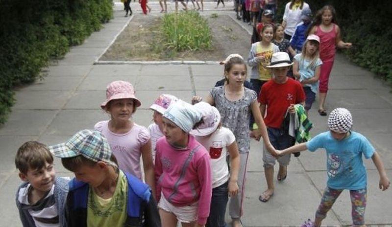 Половина детей Сумской области отдохнут в пришкольных лагерях
