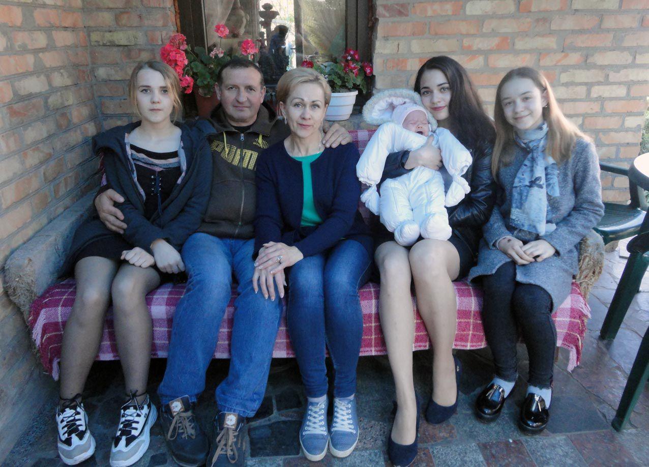 «Щасливий, що маю чудову дружину й трьох донечок-щебетух»