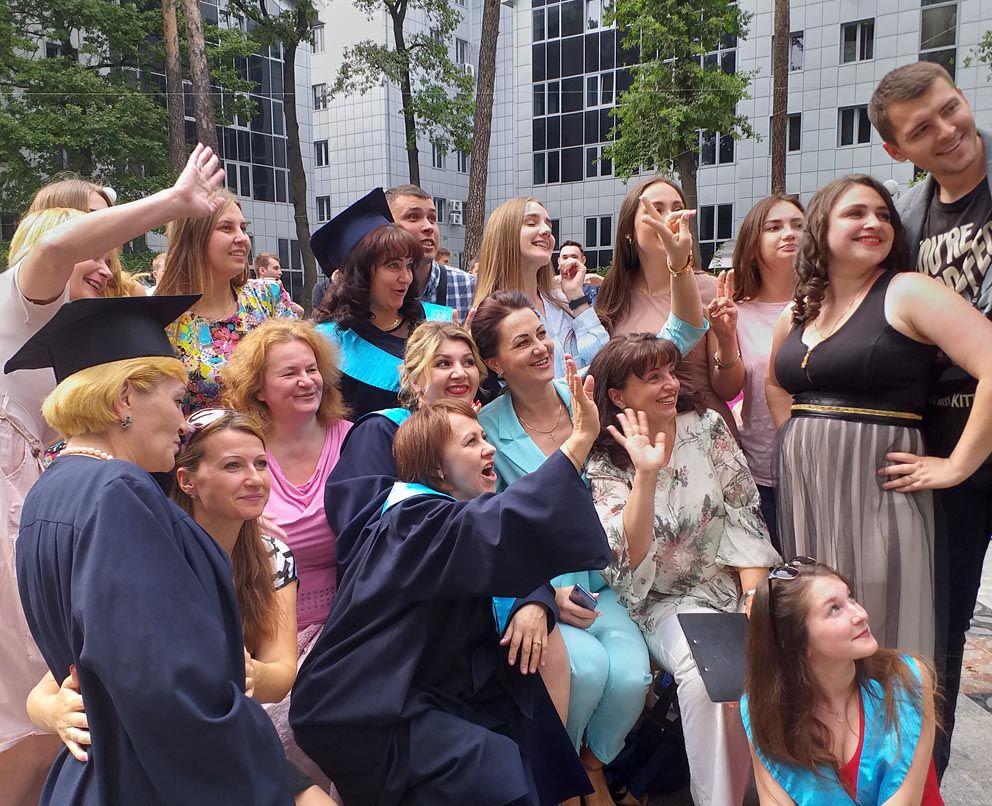В Університеті «Україна» вручили дипломи випускникам