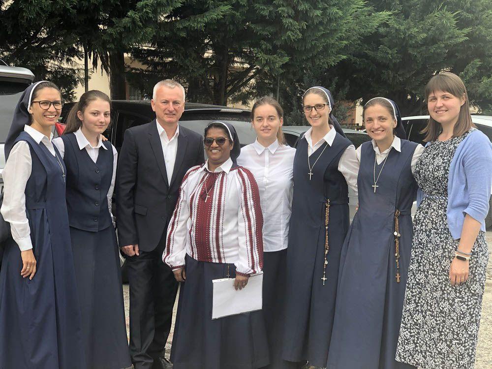 Відома на Закарпатті  монахиня з Індії  отримала  наше громадянство