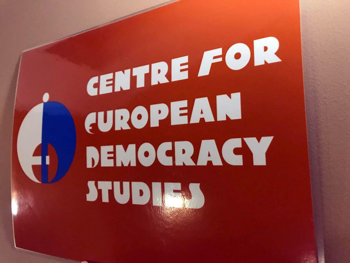Пітер Девідсон: «Європейцями не народжуються, ними стають»