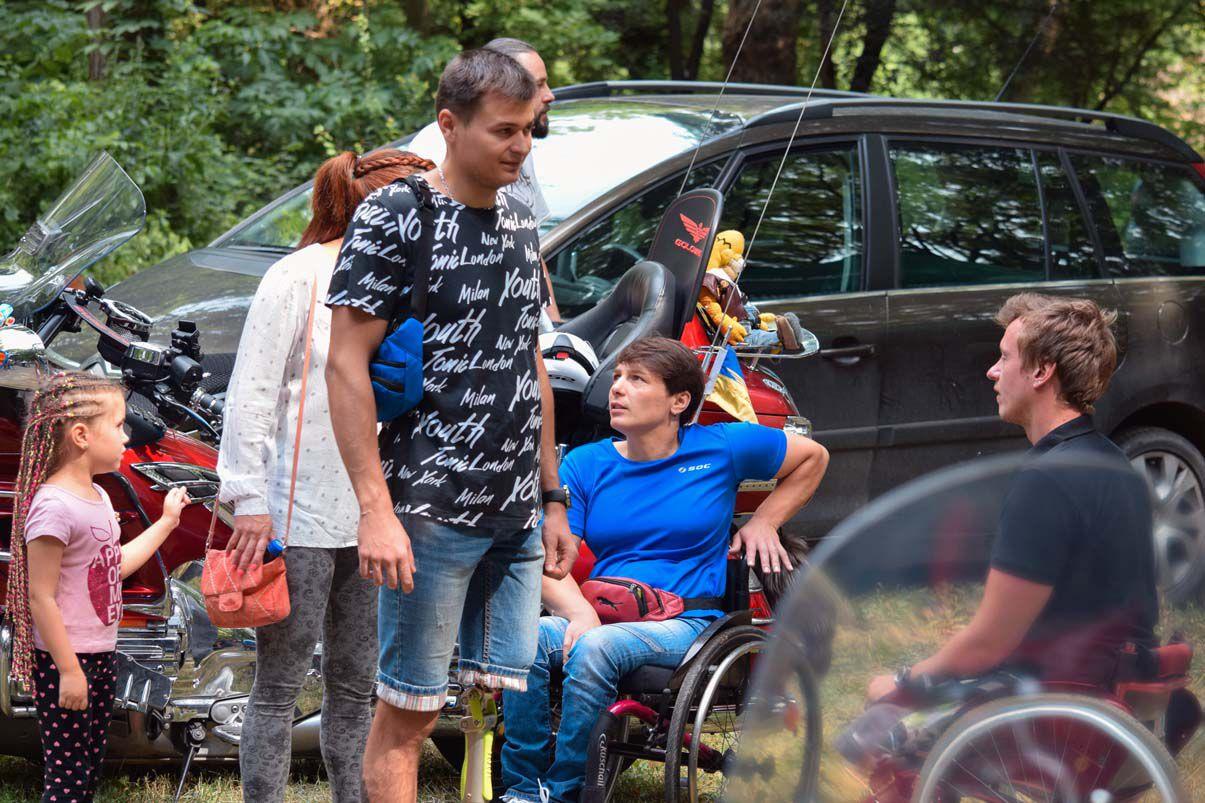 В Ужгороді подарували візочникам насолоду від швидкості