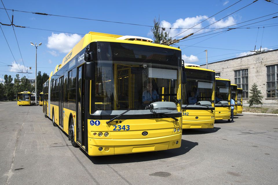 У столиці на маршрути вийшли сучасні тролейбуси