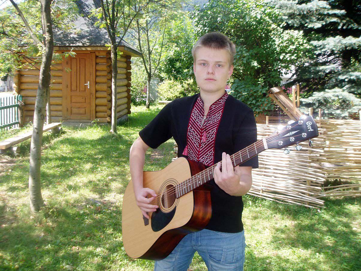 Василий Маркович, автор гитары
