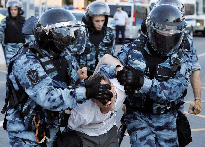 Московські суди заарештували не менше 40 осіб
