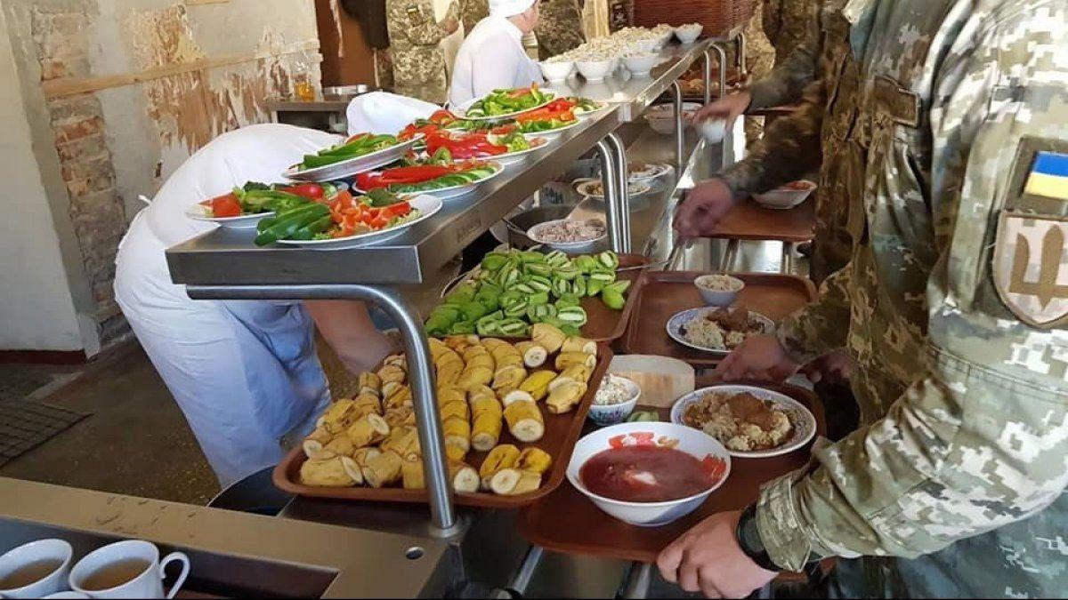 «Несмачна справа»:  суд зупинив реформу харчування в армії
