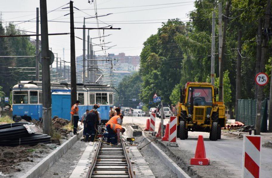 У Вінниці стелять «оксамитовий шлях», чекають на трамваї з Цюріха