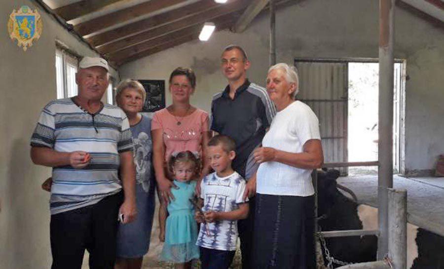Благодаря канадскому проекту стало больше на одну семейную ферму