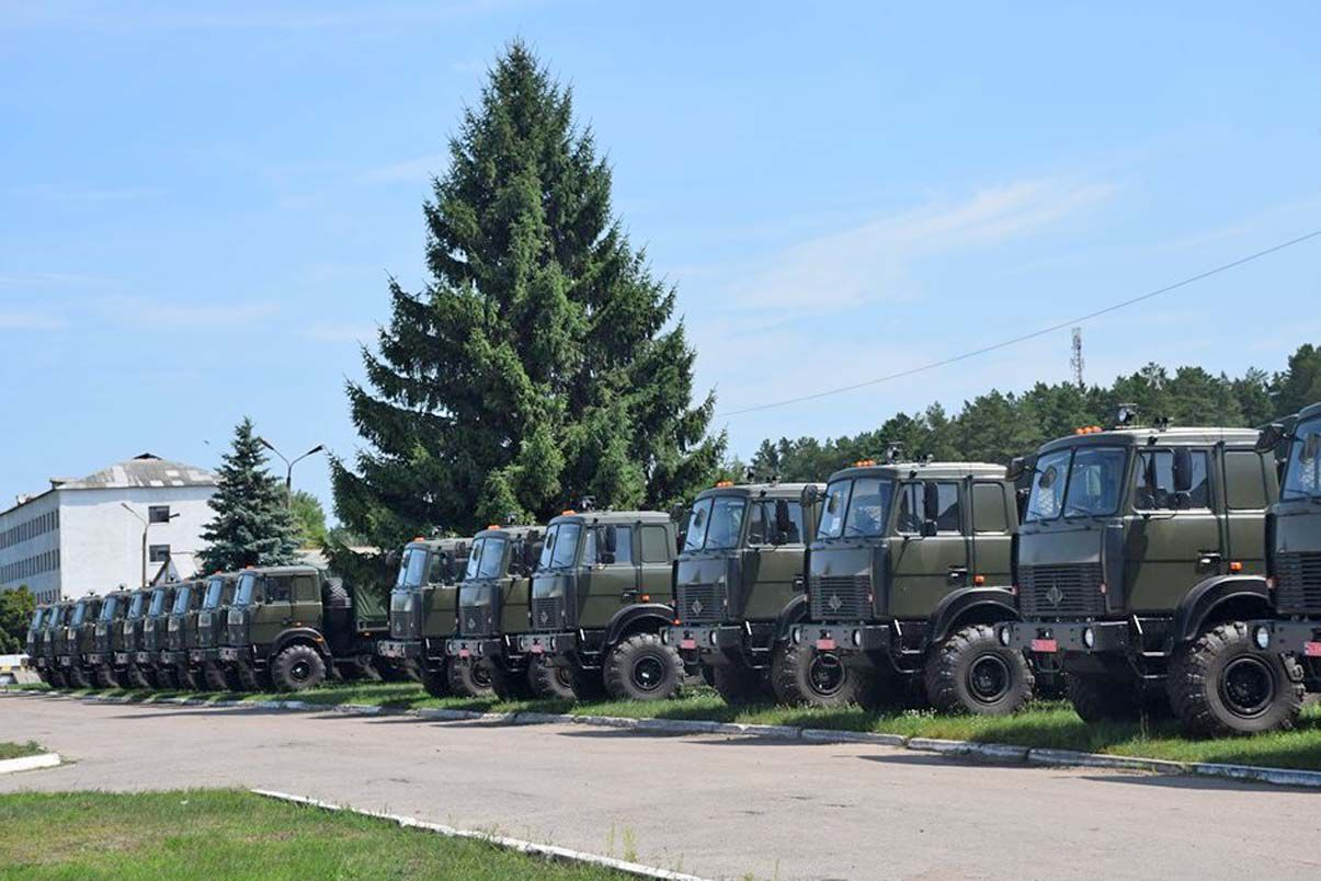 Автомобілі для танкової бригади
