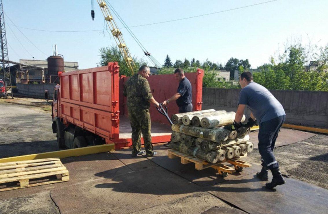 Прифронтове селище Луганське починають  відбудовувати