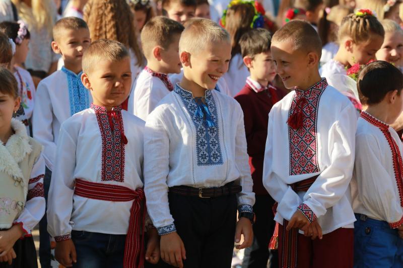 У Львові замість традиційних  лінійок — квести, флешмоби, концерти, пікніки