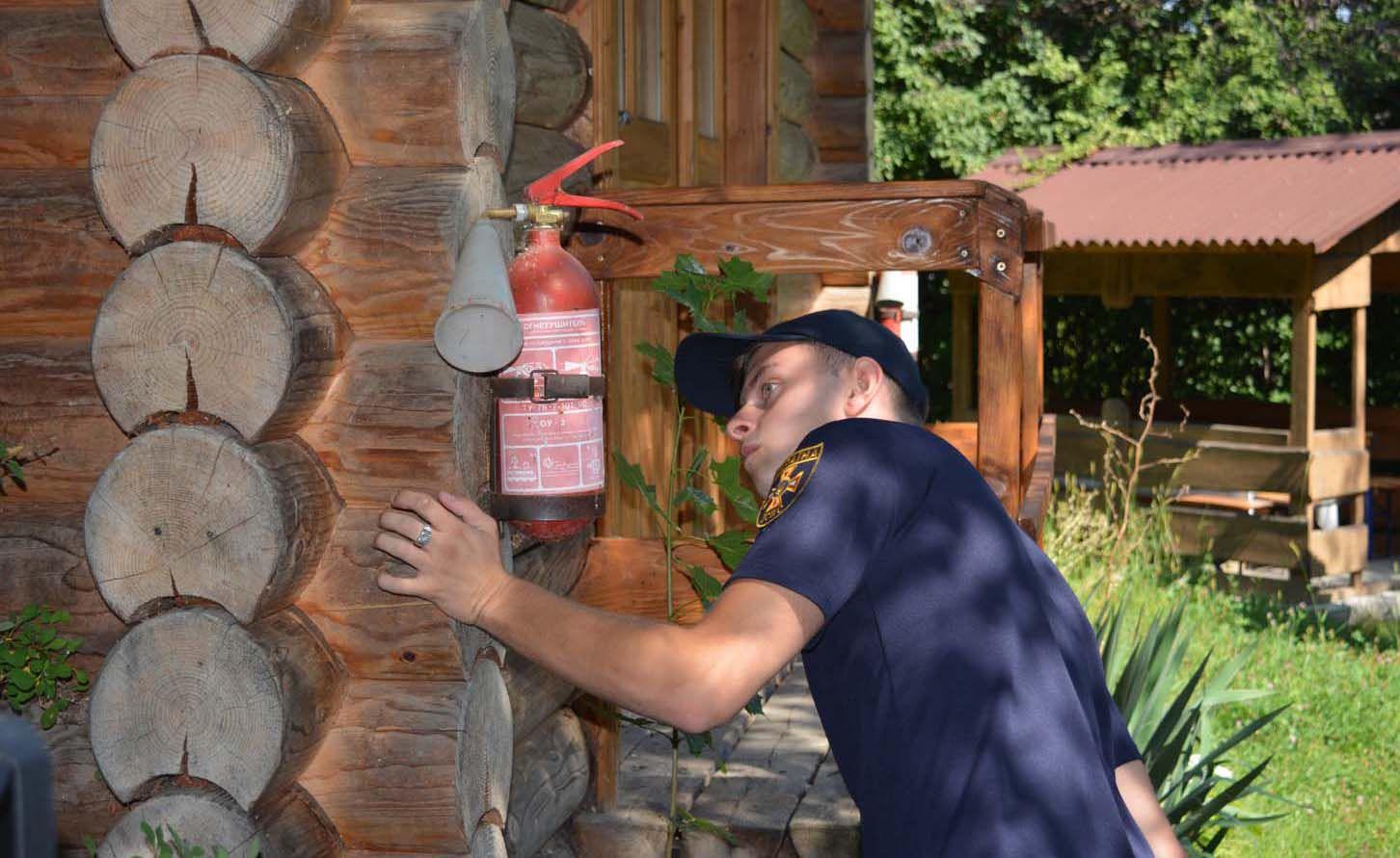 Ужгородські рятувальники перевіряють готелі