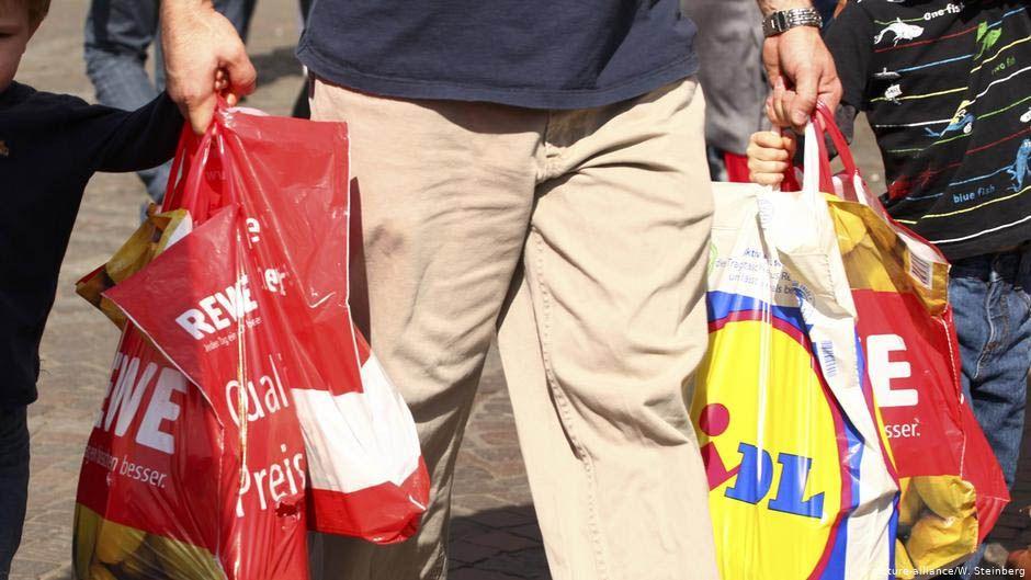 За использование  пластиковых пакетов торговцам  грозит штраф  в 100 тысяч евро