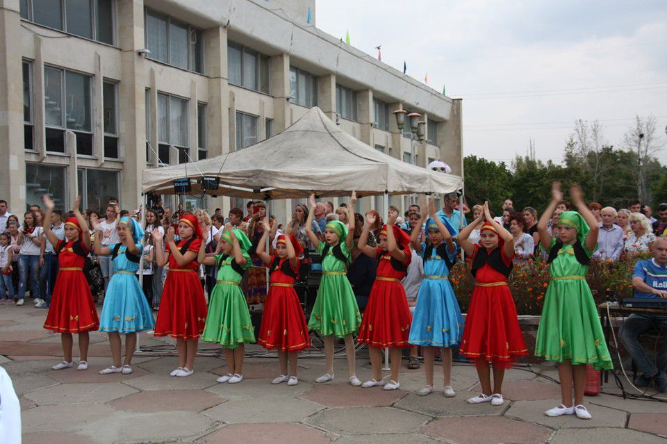 У Рубіжному співали, танцювали та пригощали національними стравами