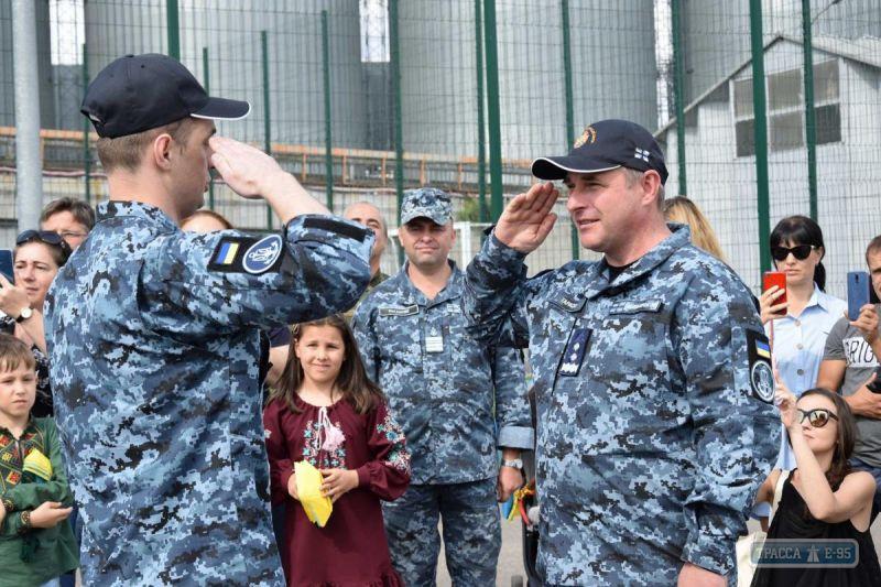 Звільнені з російського полону моряки повернулися до рідного міста