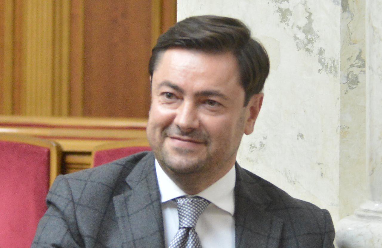 Про призначення Штучного В. В. на посаду Керівника Апарату Верховної Ради України