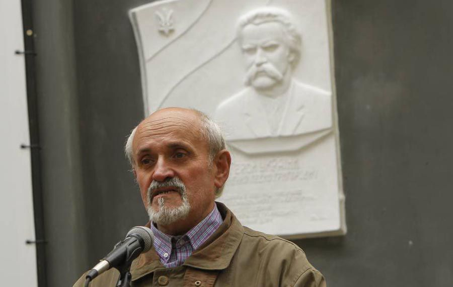У Чернігові закарпатський скульптор створив образ Лук'яненка