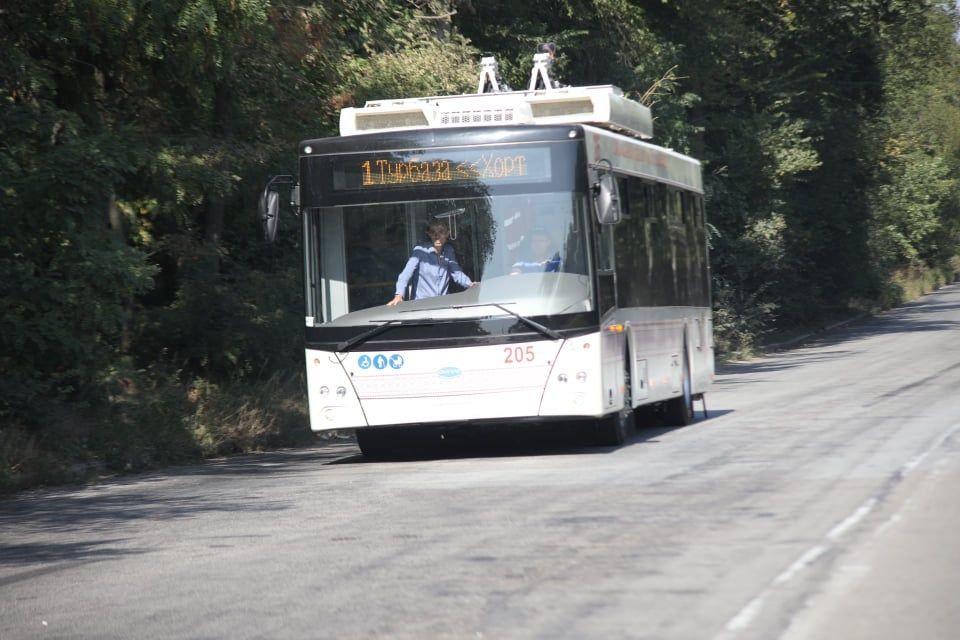 У Запоріжжі тролейбуси з автономним ходом вийшли на лінію
