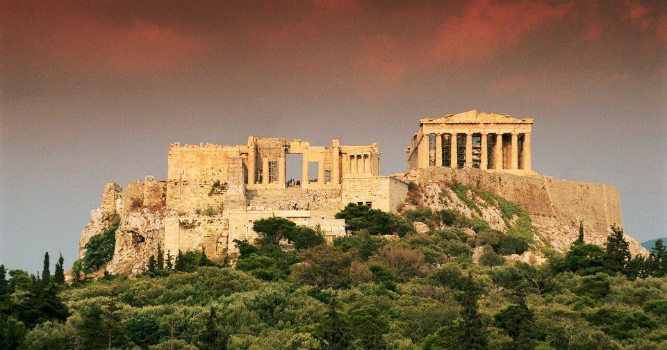 В Греции запретят использование одноразовых пластмассовых изделий