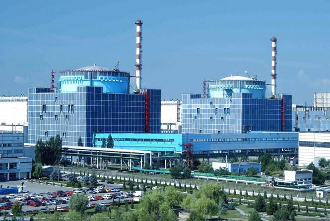 Пошкодженому генератору на Хмельницькій АЕС шукають заміну